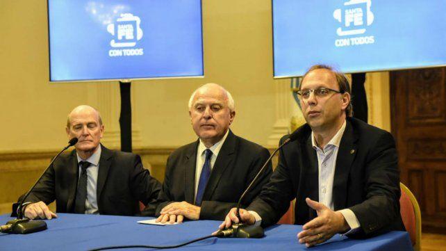 Saglione junto al gobernador Lifschitz y el fiscal de Estado.