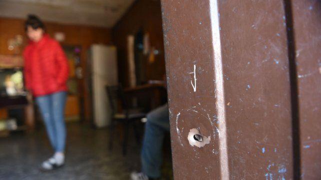 La puerta de la casa  donde estaba Francesca el día en que fue baleada.