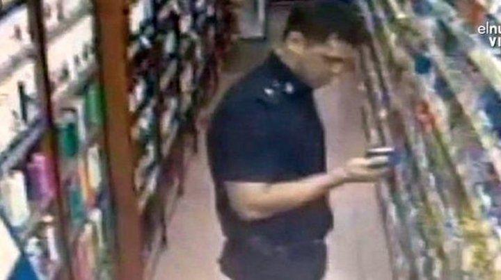 Echan a un policía por robar en un supermercado