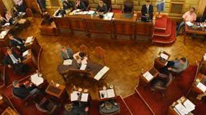 El Senado debate proyectos para auxiliar a los intendentes