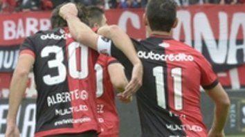 Buenos números. Los que sacó Newells en sus 8 partidos. Albertengo aportó 2 goles y Maxi calidad.