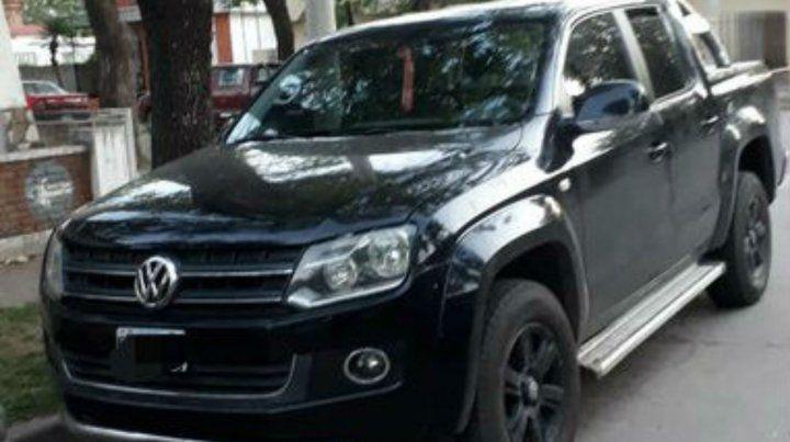La camioneta de apoyo con que contaba los ladrones. (Foto: @joseljuarezJOSE)
