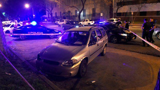 Estacionado. El auto en el que estaba la víctima al ser atacada.