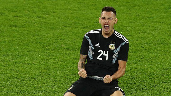 Con alma y vida. Ocampos grita el gol que sirvió para empatar 2 a 2 con Alemania.