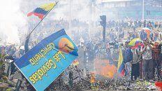 ciudad tomada. Las barricadas se multiplicaron ayer en Quito. Moreno y los indígenas sospechan de Correa.