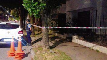 noche de viernes. El juez Gómez fue atacado en su casa de Italia al 500.