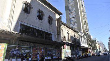 Abandonado. La histórica película se expondrá sobre el frente del cine Imperial, Corrientes 425.