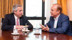 Alberto Fernández charló con el socialista Eduardo Di Pollina durante su visita a Rosario.