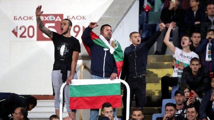 Insultos y gritos racistas en el partido de Inglaterra y Bulgaria