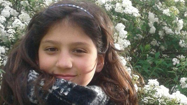 Final feliz. Abril Caballé, de diez años, apareció en buen estado en la casa de su vecina Victoria Agüero.