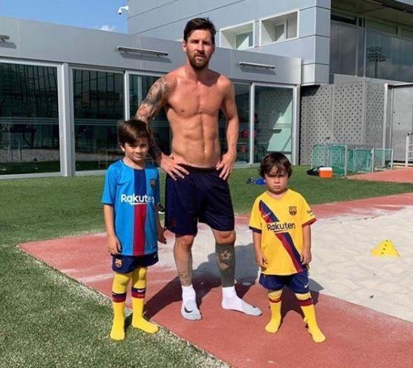 """""""Mis hijos ya entienden lo que significa estar lesionado, normalmente me llaman todo el rato para jugar, para hacer un partido o patear unos tiros, pero ya saben que cuando estoy lesionado no puedo"""""""