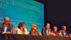 Adrián Cannellotto, Sonia Alesso, Adriana Puiggrós, Nicolás Trotta, Flavia Terigi y Luis Scasso, presentes en el encuentro.