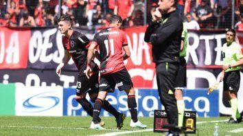 Adentro. Aníbal Moreno ingresó por Maxi a los 88 en el partido en el Coloso frente a Banfield.