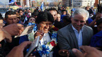 Fórmula. Morales y su vicepresidente, Alvaro García Linera, en un rally de campaña por El Alto.