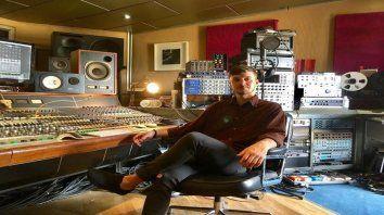 Creativo. Tomas Crow grabó su álbum en Londres.