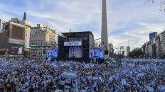 Frente a una multitud Macri llamó a dar vuelta la elección
