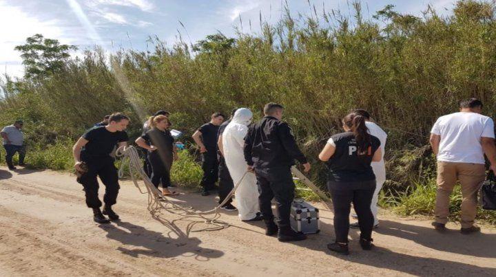 La Policía de Investigaciones encontró el cadáver en la banquina de un camino rural de Monte Vera.