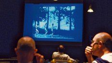 Muy breve. El filme se exhibió anoche en el Café Vinilo, en el Centro de Expresiones Contemporáneas.