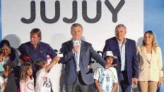 San Salvador. El jefe del Estado subió al escenario acompañado por Gerardo Morales (gobernador jujeño).