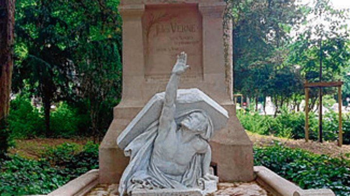 Obra de arte. El monumento funerario de Julio Verne