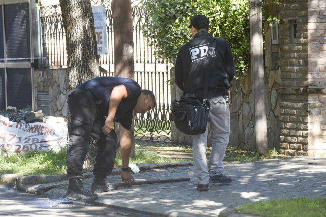 Personal de la Policía de Investigaciones (PDI) levantó rastros en la vivienda de Pago Largo y Agüero.