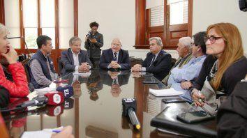 Las cámaras legislativas pidieron que envíe el presupuesto
