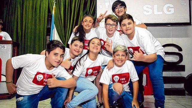 Los chicos y chicas del último año de la primaria participaron entusiasmados de la experiencia escolar.