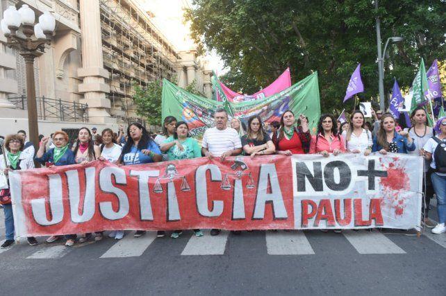 Familiares y organizaciones políticas y sociales exigieron justicia por Paula Perassi.
