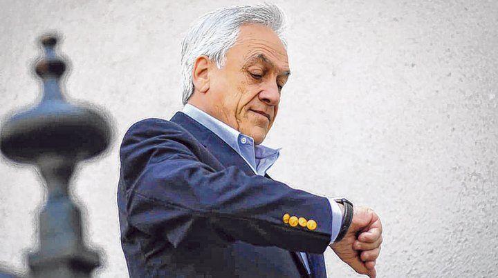 ¿es hora? El presidente Sebastián Piñera ayer en la escalinata de La Moneda.