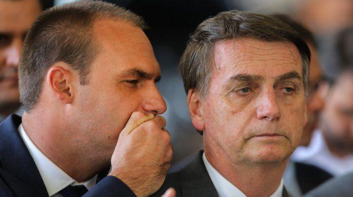 El hijo de Bolsonaro propone restaurar la dictadura en Brasil