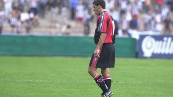 Maxi. Fue titular y vio la roja en 2001.