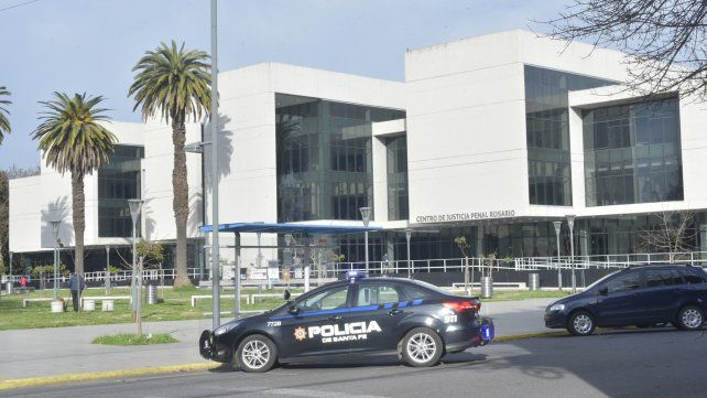 La audiencia imputativa a los tres jefes policiales se llevó adelante en el Centro de Justicia Penal.
