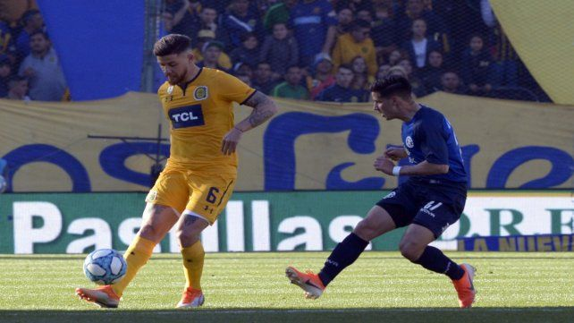 Miguel Barbieri superó un esguince de rodilla y volverá a conformar la zaga auriazul. Sale un referente como Caruzzo.