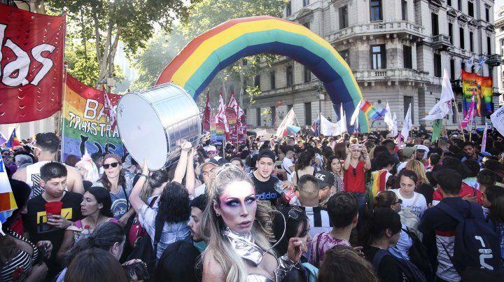 Multudinaria marcha del Orgullo en reclamo de más derechos
