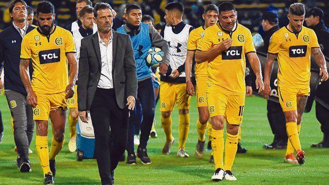 No tan juntos. Ortigoza y Cocca tras el empate ante Patronato en el Gigante. Ese día el Gordo ingresó en el complemento por Gil.