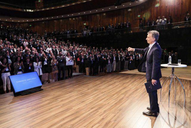Nos vamos con las manos limpias, dijo Macri, quien aseguró que hay gato para rato