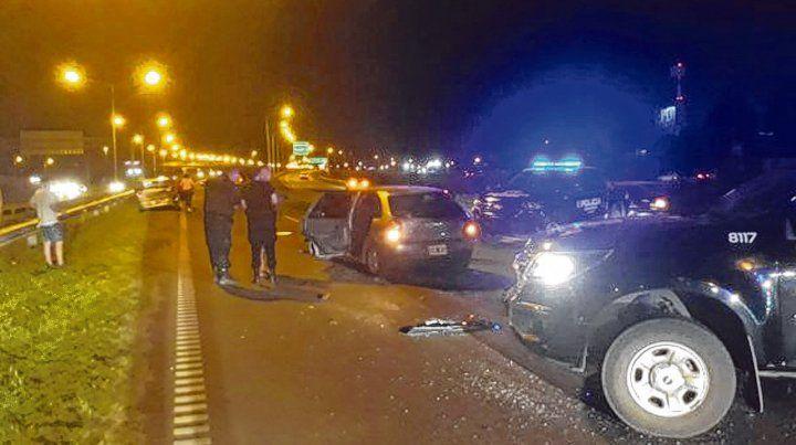 desembocó en incidentes. Todo se inició con el violento choque de dos autos en la zona sur de la ciudad.