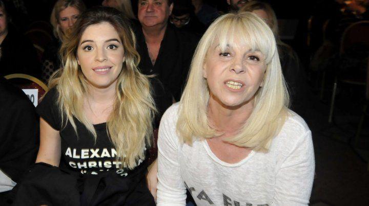 Dura respuesta de Claudia Villafañe al video de Maradona