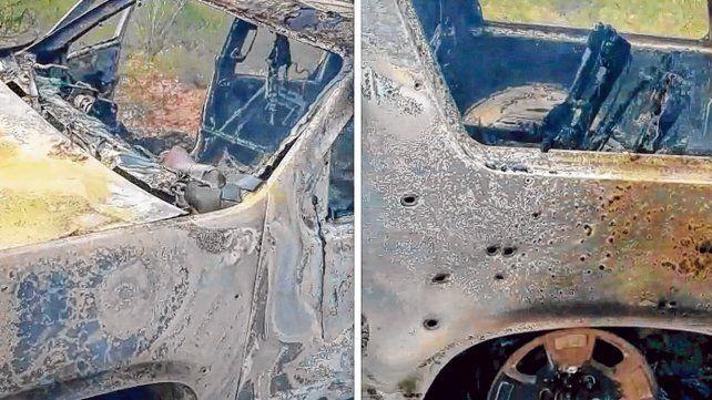 Locura narco. Una de las tres camionetas SUV quedó calcinada por la explosión del tanque de nafta y agujereada por los balazos de los rifles.