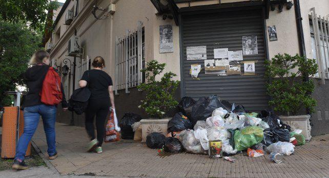 Municipales de Funes levantaron el paro por tiempo indeterminado pero seguirán con medidas de fuerza