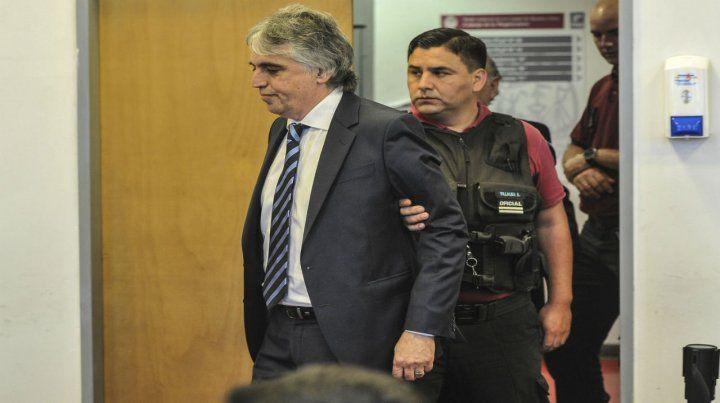 Russo fue condenado a diez años de prisión e inhabilitación perpetua de la mátricula.