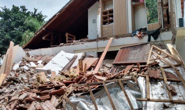 Conmoción por el derrumbe de una casa en la ciudad de Funes