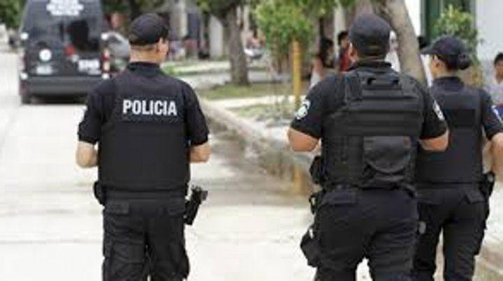 Ocho policías en prisión por falsear un procedimiento