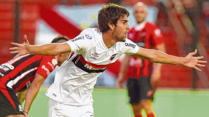 Así gritó en Paraná. Albertengo marcó el 2-0 parcial