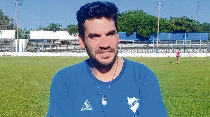 Felíz . Damián Sciretta se hizo cargo del plantel albo y mañana estará ante Yupanqui.