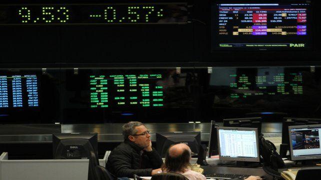 La petrolera YPF anunció en la Bolsa una pérdida de 12.543 millones de pesos.