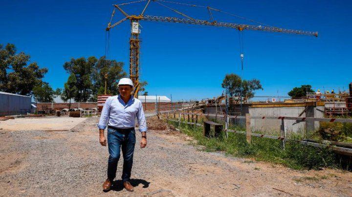 Recorrida. El intendente Raimundo visitó la zona de obras.