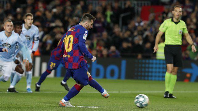 Messi marcó tres goles en el 4-1 de Barcelona
