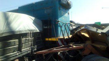 Un tren embistió a un camión en San Lorenzo
