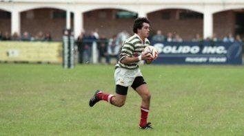 1997. Fradua lleva la pelota en una de sus primeras incursiones en la primera verdiblanca.